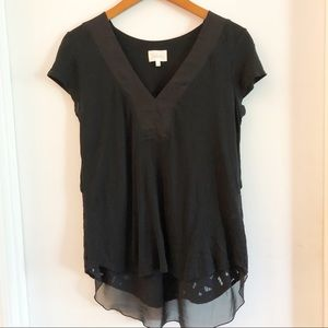 Deletta Black Lace Back V-neck Top Size Small